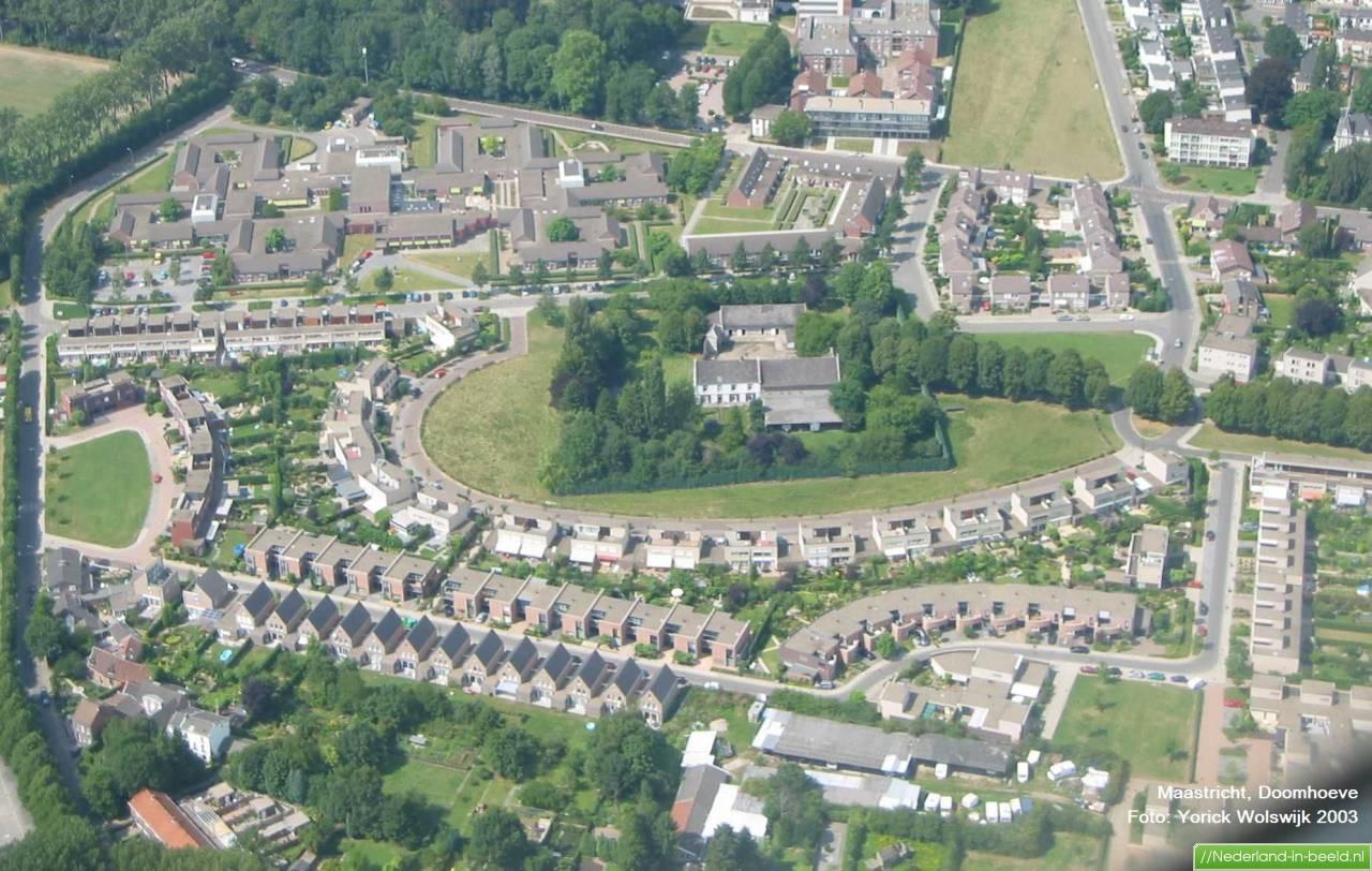 Maastricht doomhoeve luchtfoto 39 s foto 39 s nederland in - Naar beneden meubels huis ter wereld ...